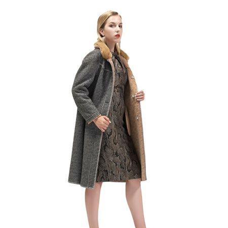 欧芭妃千鸟格双面穿羊剪绒大衣·黑色