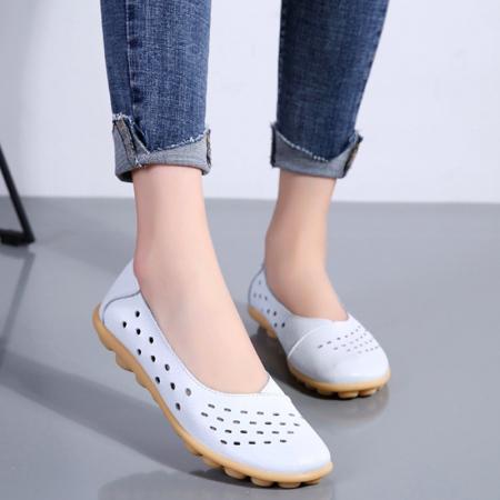 玉露浓 牛皮镂空洞洞软底豆豆鞋·白色