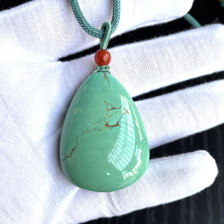 (收藏)老冯记天然原矿绿松石大水滴挂件G