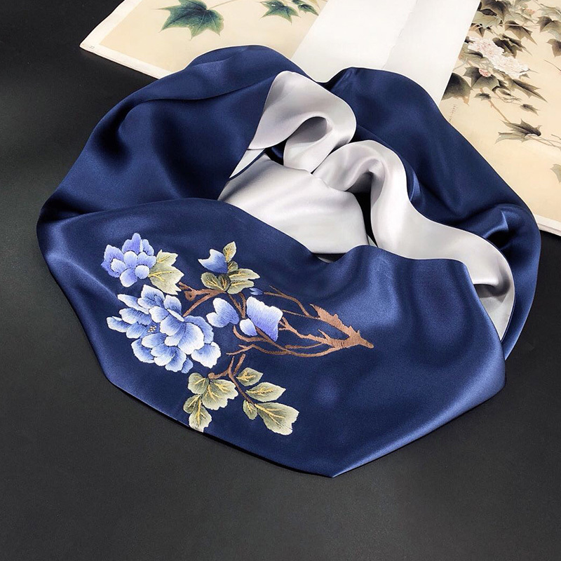 纯手工苏绣重磅真丝围巾礼盒装·国色牡丹-银灰粉