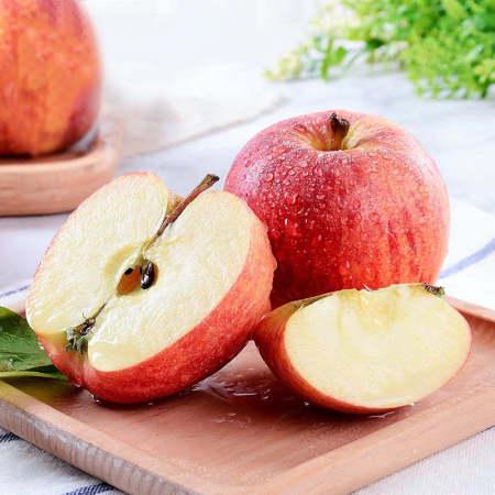 红嘎啦苹果连箱10斤中大果22-24颗装果径65mm以上,皮薄多汁,果味浓郁,脆甜微酸