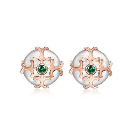 阖天下传家宝 18K金沙弗莱钻石贝母耳钉J171081665·白色