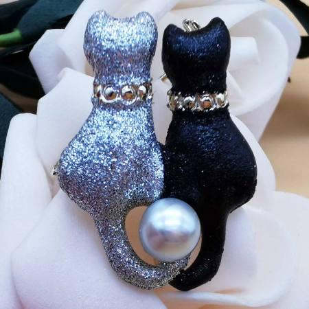 京珠部落 日本AKOYA珍珠7-8MM猫咪款胸针两款可选·黑色双猫咪款