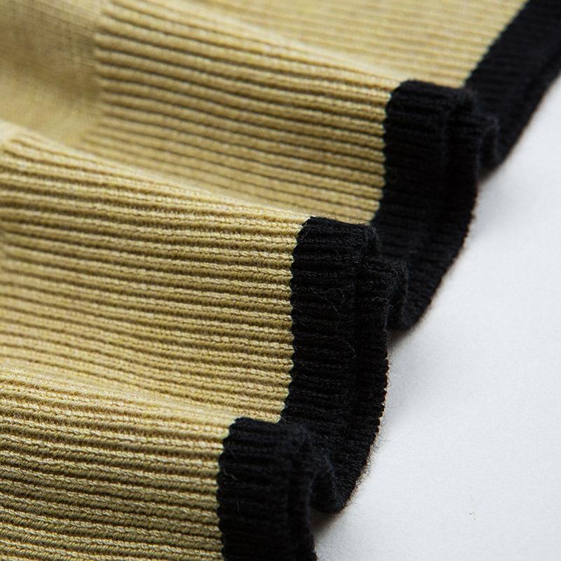 专柜品质推荐!凁侈2021年春款娃娃领针织打底衫·黑色